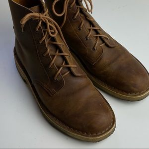 Ecco Men's lace up leather desert boots